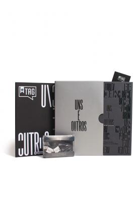 """Kit TAG Curadoria """"Uns e outros"""" (jul/17)"""
